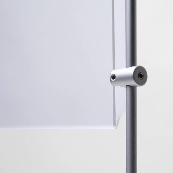 Bočný úchyt na tyčový prezentačný systém